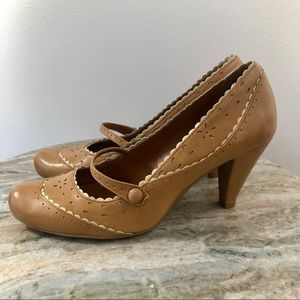 Gianni Bini Mary Janes Brown Shoes size 9.5